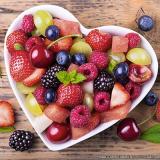café da manhã com frutas na empresa