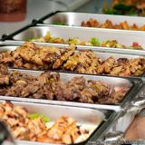 distribuidores de almoço coletivo na empresa Brás